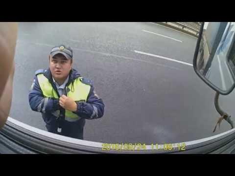 Смотреть Лже  сотрудники ДПС Санкт-Петербурга работают по дальнобойщикам. онлайн