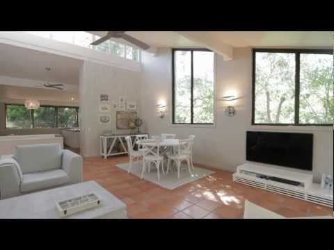 Holiday rental video