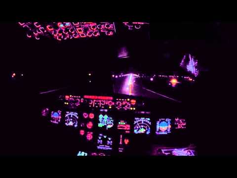 Copenhagen EKCH Cockpit view landing rwy 22L Night