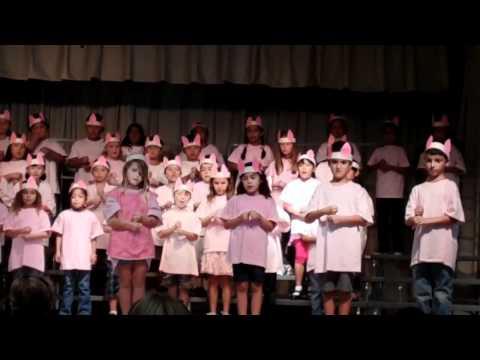 Paularino Elementary School 1st Grade 2011 Three Piggy Opera