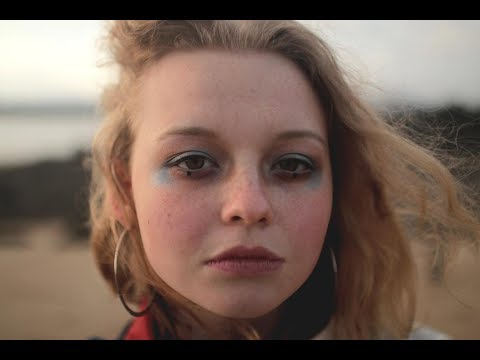 Millie Turner - Underwater