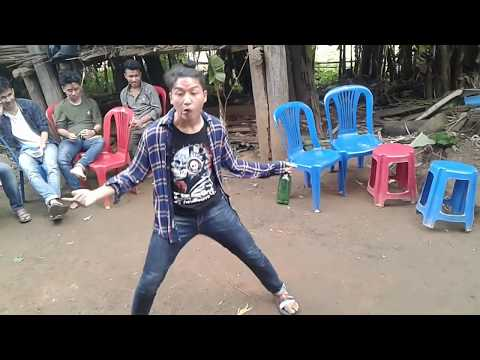 दशैँकाे कमिडि डान्स Ft. Nabaraj Rana Dhoka kholana pusteki aama