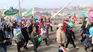 VL ru   Первомайская демонстрация Владивосток(, 2015-05-01T06:44:56.000Z)