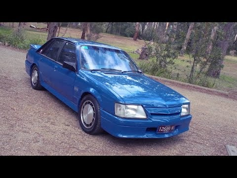 Holden VK Commodore - Shannons Club TV - Episode 106