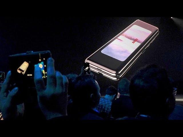 <span class='as_h2'><a href='https://webtv.eklogika.gr/i-samsung-paroysiase-to-proto-kinito-poy-diplonei' target='_blank' title='Η Samsung παρουσίασε το πρώτο κινητό που διπλώνει'>Η Samsung παρουσίασε το πρώτο κινητό που διπλώνει</a></span>