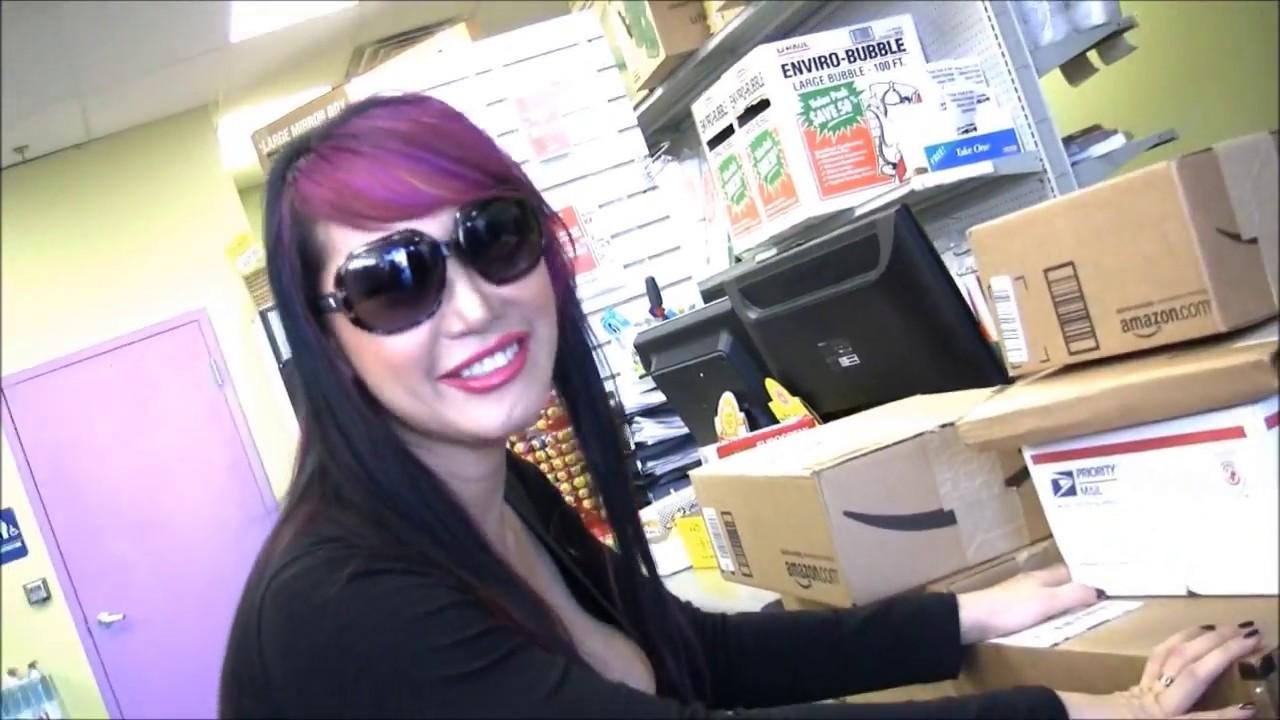 Watch Mimi Miyagi video
