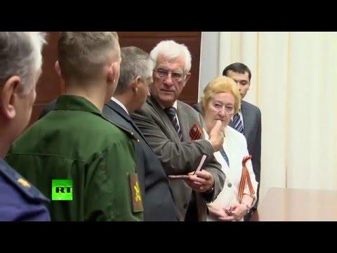 Французская пара передала фамильные награды родственникам Героя РФ, погибшего в Сирии