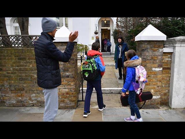 <span class='as_h2'><a href='https://webtv.eklogika.gr/inomeno-vasileio-anoigoyn-kai-pali-ta-scholeia' target='_blank' title='Ηνωμένο Βασίλειο: Ανοίγουν και πάλι τα σχολεία'>Ηνωμένο Βασίλειο: Ανοίγουν και πάλι τα σχολεία</a></span>