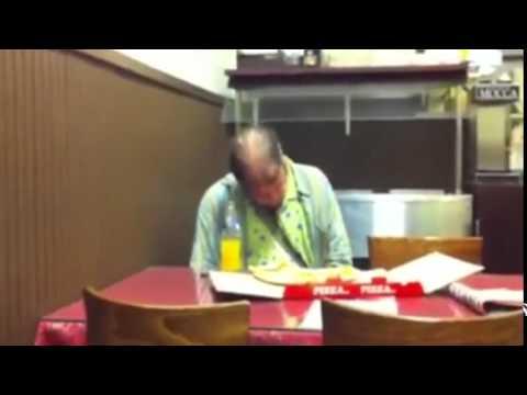 Фото пьяных под столом фото 172-74