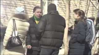 В Екатеринбурге горожанам предлагали взятки возле избирательного участка