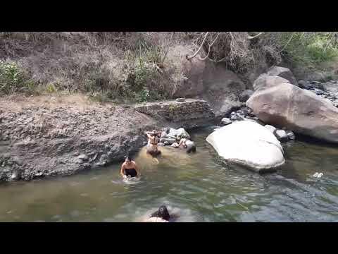 Rico Baño en el Río !!  Se Quitaron Todo... El Lodo ! Divertido   Live