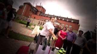 Бармен-шоу (Crazy Barmen show)(Промо-видео Crazy Barmen Show - выездной бар; - горка шампанского; - бармен-шоу; - интеррактивные конкурсы; - многое..., 2012-10-15T23:07:53.000Z)