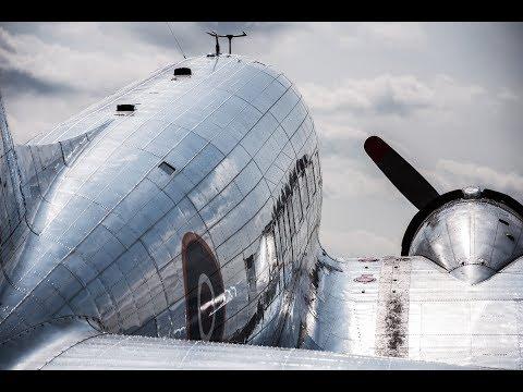 Douglas DC3 Dakota Norway LNWND engines start up