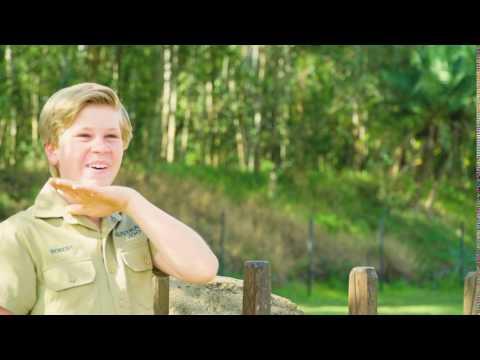 Robert Irwin gets a kiss from Australia Zoo's giraffe!