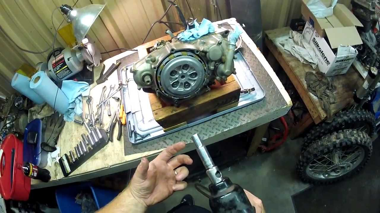Yamaha Yz250f Clutch Removal - Disassembling Motor