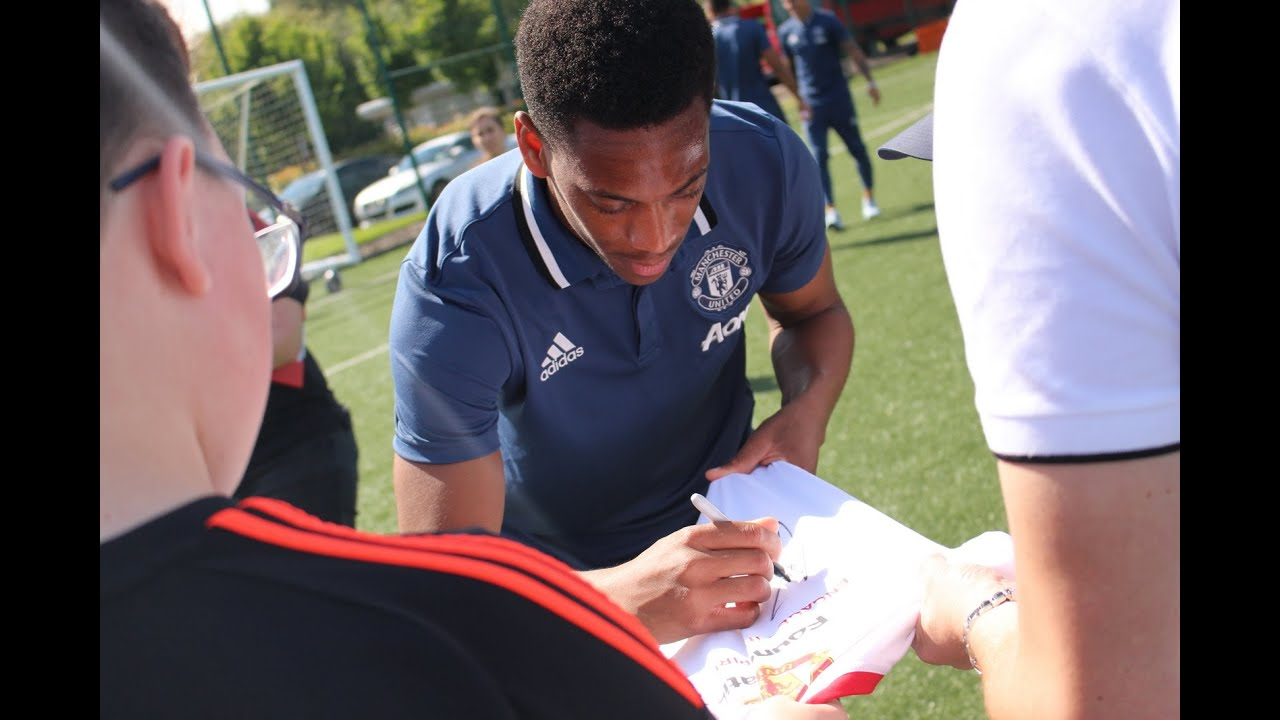 Anthony Martial, Marouane Fellaini and more meet Foundation disability project