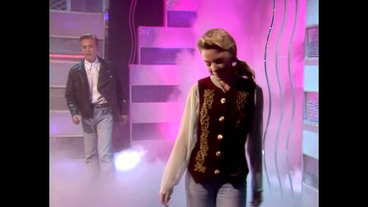 Download Kylie Minogue & Jason Donovan - Especially For You (Live Top Of The Pops 1988)