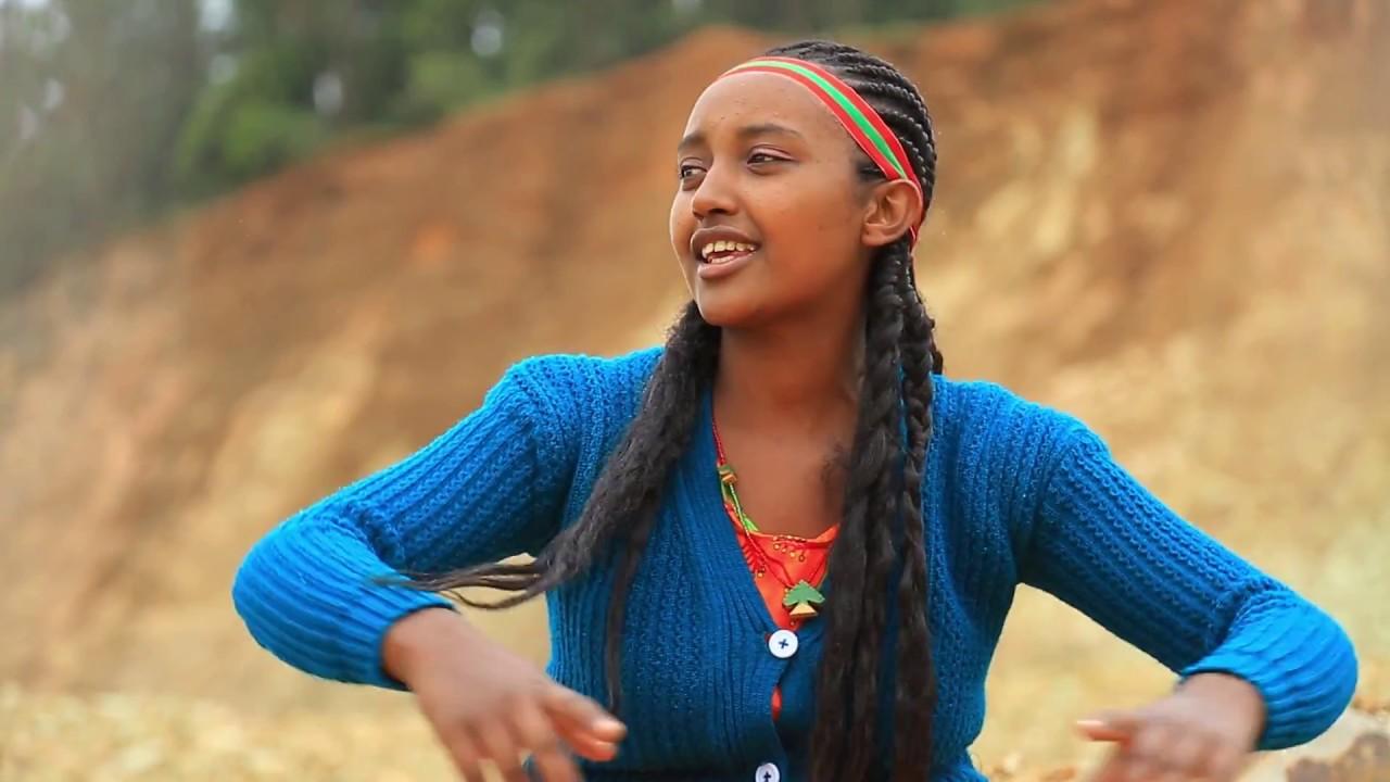 Oromo Music Badhaatu Abbuu Jajjabee New Ethiopian Oromo Music 2018 Official Video Youtube
