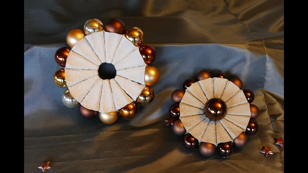 kranz mit weihnachtskugeln kaagenbraassemvoetbal. Black Bedroom Furniture Sets. Home Design Ideas
