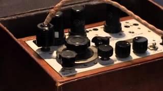 Repeat youtube video WW2 SPY RADIO SET DEMO (paraset) from the Secret Wireless War DVD