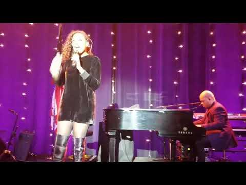 Jennifer Hudson live