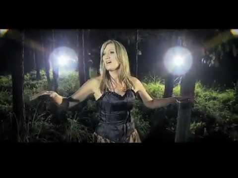 Juanita du Plessis – Tussen Woorde (OFFICIAL MUSIC VIDEO)