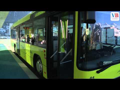 Neue Hybridbusse im Einsatz