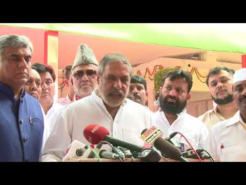 Anand Sharma addresses media at congress HQ, August 15, 2017