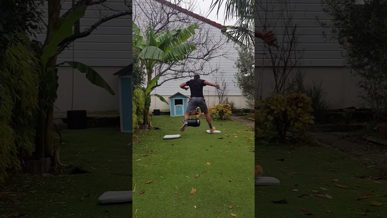 Handstand X Plumy