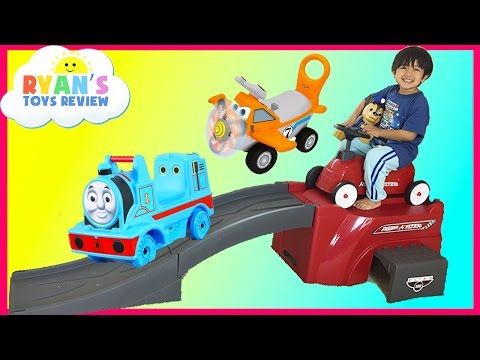 Ryan plays with Radio Flyer 500 Roller Coaster ride for kids