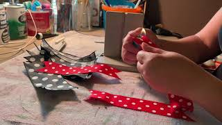 Simple bow making for door hangers