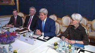 كيري و ظريف و التوصل لاتفاق تاريخي حول الملف النووي الإيراني