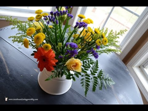 Turn Grocery Store Flowers Into a Beautiful Bouquet