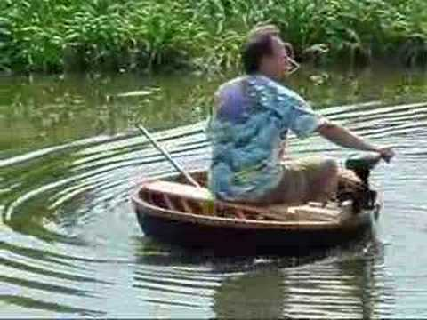 Fun With A Coracle On The Back Waters Of The Ouse Youtube