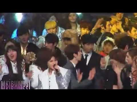 121231 [Fancam] SHINee interactions with miss A @ MBC Gayo Daejun [Cr: Kimkibumssi]