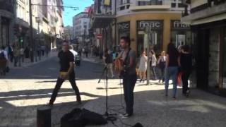 Amazing Guy singing Coldplay on the Street in Porto Portugal