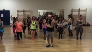 Ricardo Rodrigues - Zumba Fitness - Quitémos la roupa - Dani J