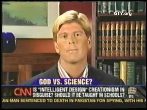 Creación o evolución - John Macarthur en Larry King Live de CNN (Subtítulos en español)