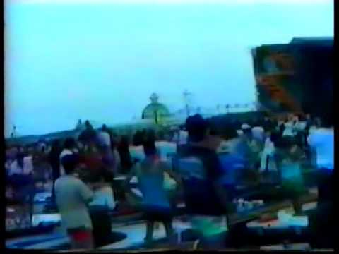 Pink Floyd - Venice 15th July 1989 - Pre concert crowd footage.