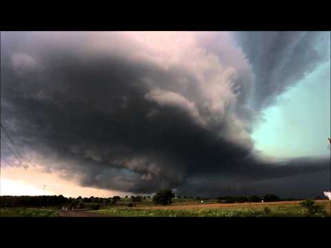 Awesome Storm Structure SW of Pauls Valley Oklahoma - May 30th 2013