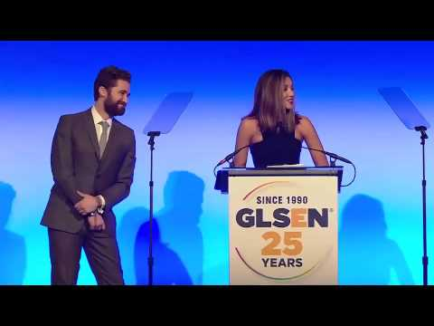 Matthew Morrison & Renee Morrison Accept Inspiration Award  2015 GLSEN Respect Awards – New York