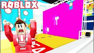 PLAYING HOLE IN THE WALL IN ROBLOX!