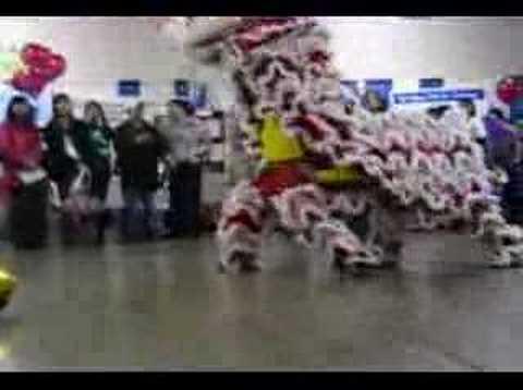 Joi Ying Lion Break Dancing