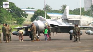 U.S. Marines Host Static Display of Aircraft to Philippine Service Members