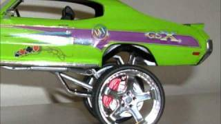 donk on 40 inch rims scale model