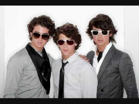 to Party ; Jonas Brothers w lyrics