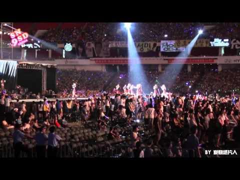 [Fancam] 100911 SNSD - Hahaha @ SM TOWN 2010 Shanghai