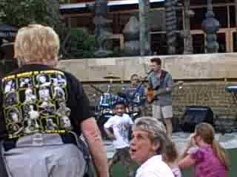 Live music @ Bella Terra amphitheater in Huntington Beach,CA