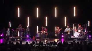 Bethel Music Moment: Open Up Let the Light In (Spontaneous) - Steffany Gretzinger