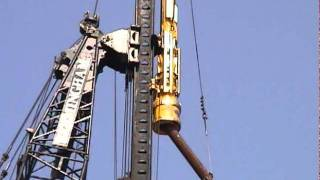 This video shows loading a 30 metre long pipe pile into a Bermingha...